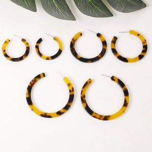 Acrylic hoops